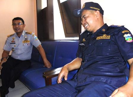 Sofyan Hidayat Bersama Penguji di Terminal Guntur, Garut.