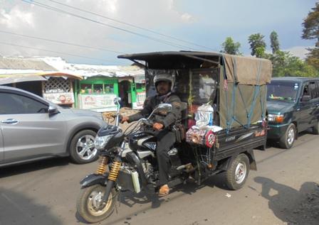 Tempuh Perjalanan Arus Balik Lintasi Kabupaten Garut.