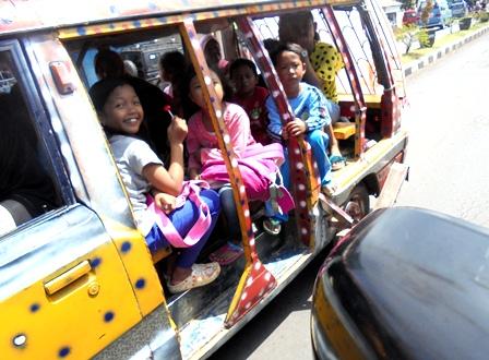 Bergembira Nikmati Wisata Berkeliling Pinggiran Kota Garut.
