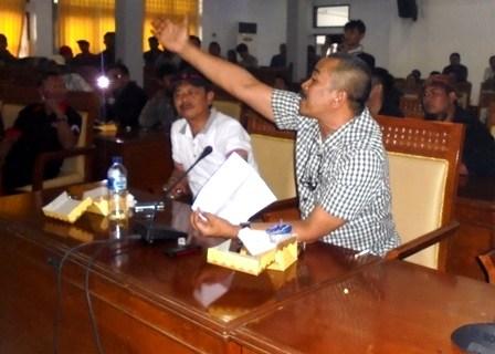 Haryono Presentasikan Kasus Dugaan Pelanggaran Bupati Garut.