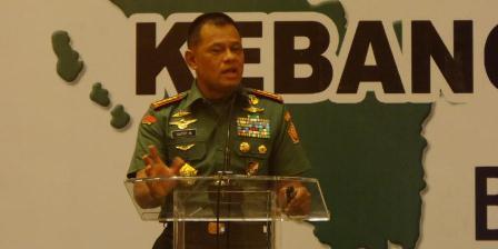 Panglima TNI Jenderal Gatot Nurmantyo dalam acara Simposium Nasional 'Mengamankan Pancasila dari Ancaman Kebangkitan PKI dan Ideologi Lain' di Balai Kartini, Jakarta, Kamis (2/6/2015).