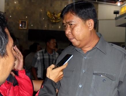 Ketua DPRD Garut.