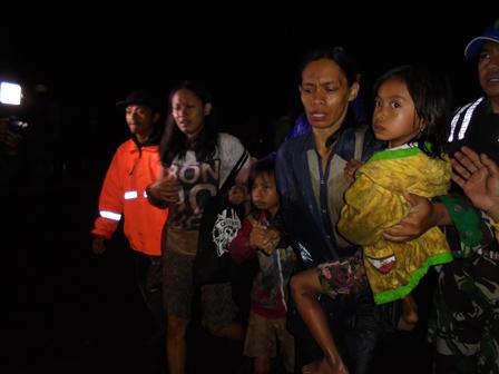 Korban Rumah Terendam Bahkan Tenggelam Segera Dievakuasi.