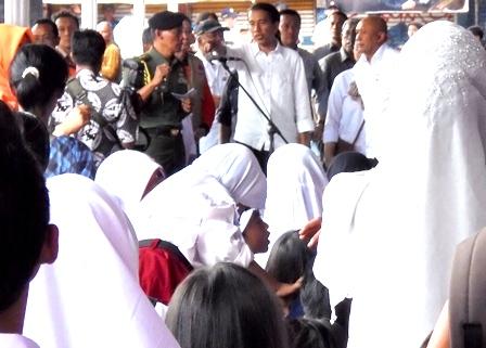 Presiden Joko Widodo Perintahkan Kapolri Agar Segera Melakukan Tindakan Hukum Terhadap Para Perusak Lingkungan Penyebab Banjir Bandang Sungai Cimanuk Garut Maupun Bencana Daerah Lain di Indonesia.