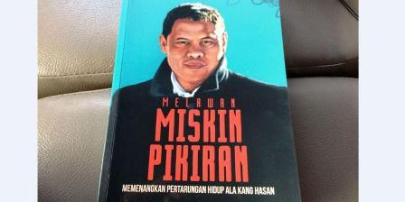 "Buku ""Melawan Miskin Pikiran"" karya Hasanudin Abdurahman. (Hasanudin Abdurahman)."