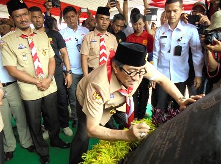 Wakil Bupati Helmi Budiman Saksikan Penandatanganan Prasasti Pembangunan SLB.