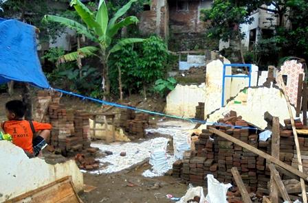 Kondisi Kerusakan di Perkampungan Penduduk Sanding Lebak.