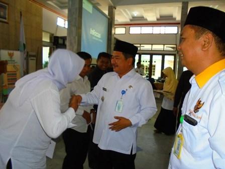 Penyerahan Santunan  Dari Baznas Kabupaten Garut.