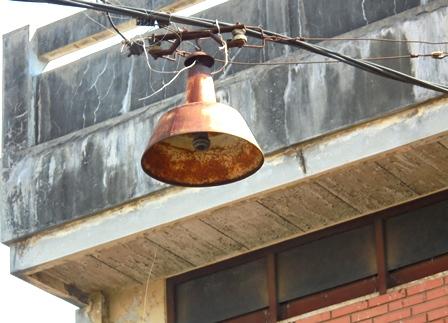 Lampu Penerangan di jalan Guntur Garut, Berkondisi Sangat Memilukan.