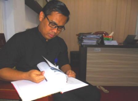 Agis Ismail.