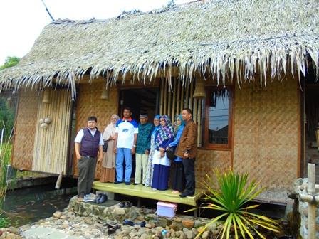 Rumah Berkonstruksi Dulang Ngapak, yang Selama ini Diadopsi Pada Kampus ITB.
