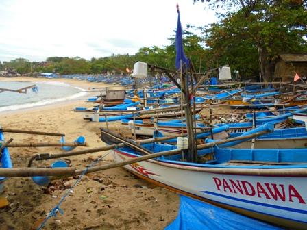 Deretan Perahu Nelayan Rancabuaya di Kecamatan Caringin.