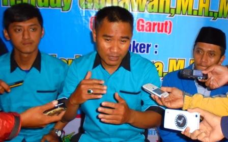 Heri Kuswara Bersama Kemaga dan PMII Garut Sampaikan Keterangan Pers.
