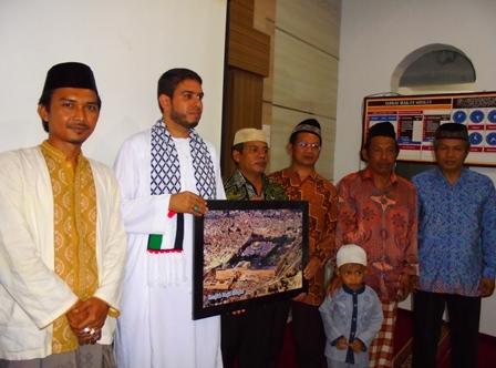 Syeikh Mohammed M.M. Subaih, Bersama Para Pengurus Masjid An-Nur.