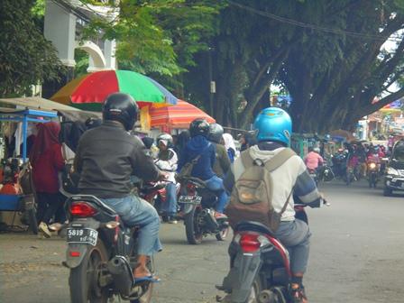 Menjadi Sarana Berjualan Ragam Jenis Kuliner.