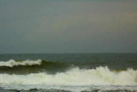 Kondisi Lepas Pantai Selatan Garut, Disertai Angin Kencang.