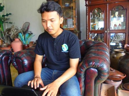 Willy, Asisten Manager Taman Satwa Cikembulan Kadungora Garut, Jawa Barat.