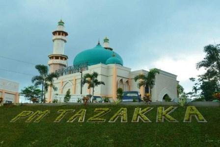Pesantren Tazakka di Batang, Jateng.