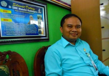 Kepala SMK Mandiri Kadungora.