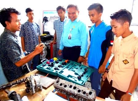 Asep Taryudin Kerap Tinjau Langsung Penyelenggaraan Praktek Teknik Otomotif.