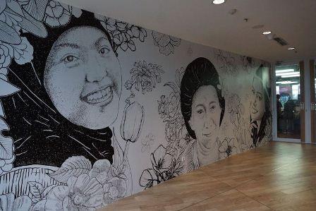 Sejumlah seniman perempuan menafsir Kartini lewat surat-suratnya di Gedung Tempo sepanjang April 2017. (Dok Lenny RW)