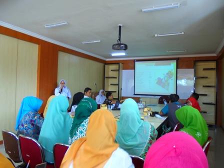 Presentasi Kebijakan Dinkes Garut Dalam Penyelamatan Ibu Melahirkan dan Bayi Baru Lahir.