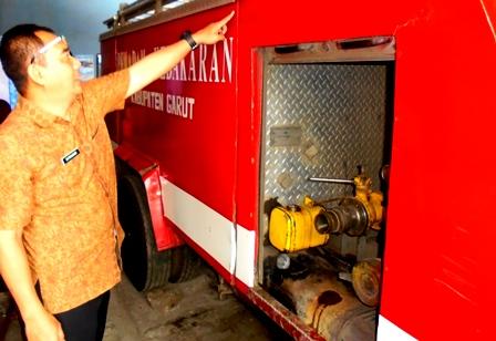 Rd. Satriabudi, Tunjukan Kondisi Body Mobil Unit Damkar yang Sasisnya Dibawah Bengkok.