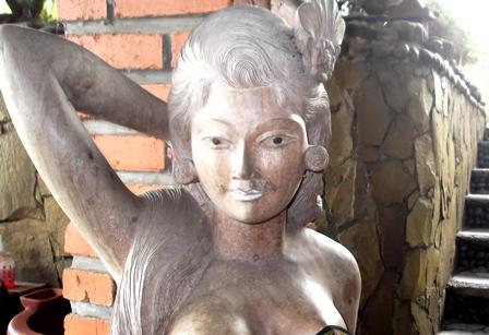 Ilustrasi, Ukiran Gadis Bali.