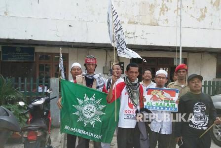 Ratusan warga Muhammadiyah dari Surabaya dan Yogyakarta berkumpul di PWM DKI Jakarta untuk ikut aksi 55, Jumat (5/5). (Republika/Amri Amrullah).