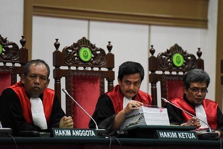 Hakim Ketua Dwiarso Budi Santiarto (tengah). (Antara/Hafidz Mubarak A).