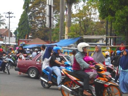 Simpang Lima Garut, Sabtu (27/05-2017).