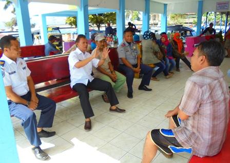 Agus Heryanto Secara Persuasif Menyampaikan Pemahaman Kepada Para Pedagang Kaki Lima Untuk Bersama Wujudkan Ketertiban dan Kenyamanan Lingkungan Terminal Non Bis.