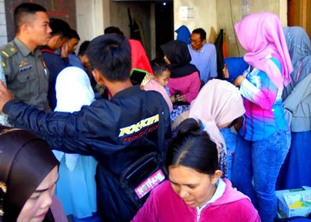 Posko Satgas Tramtib, Banyak Amankan Anak Hilang yang Terlepas Dari Genggaman Orangtuanya Saat Sibuk Berbelanja.