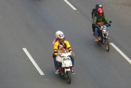 Masih Didominasi Para Pengendara Sepeda Motor.