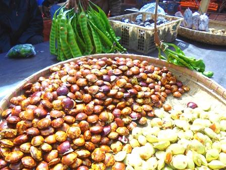 Di Pasar Ciawitali Guntur, Harga Jengkol Rp40 Ribu/kg, dan Petay Rp6 Ribu/Papan.