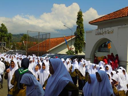 Pondok Pesantren Darul Arqam.